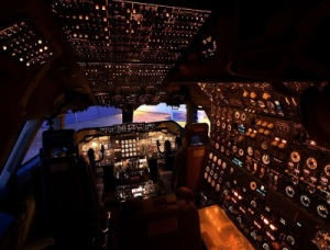 Early_747_cockpit_with_engineer_station